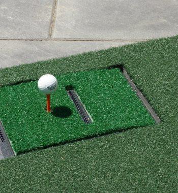 Tee Golfball Abschlagmatte Golfsimulator OptiShot2 GolfSyndikat Indoorgolf